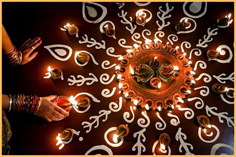 Diwali 2019: Diversity of Rituals, Lakshmi Puja Vidhi, Aarti, & Mantra