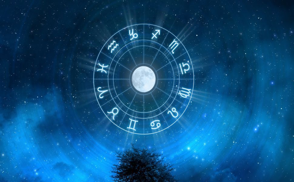Astrology vs Tarot