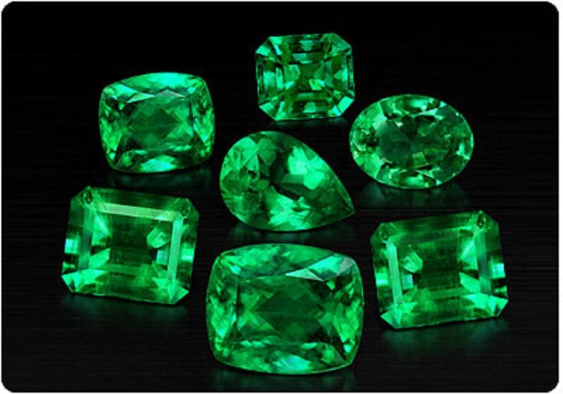 emerald gemstone and planet mercury