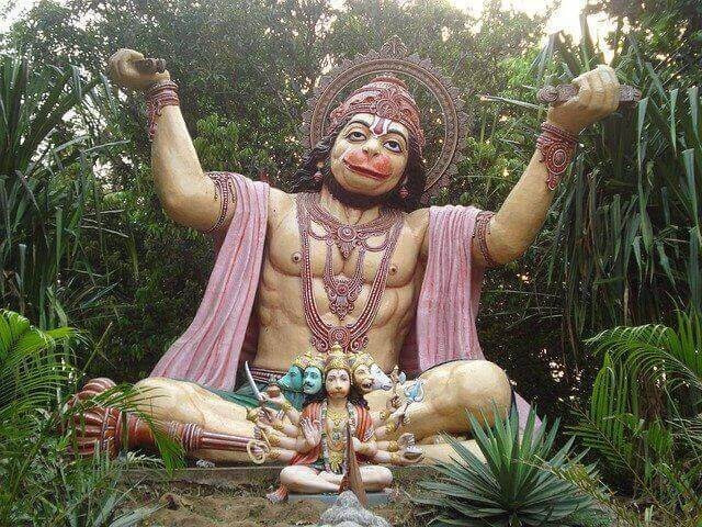 5 Mistakes to Avoid While Chanting Hanuman Chalisa