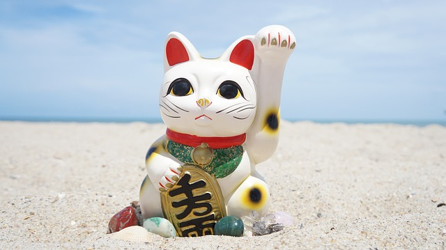 Lucky Cat in Feng Shui: Significance and Benefits