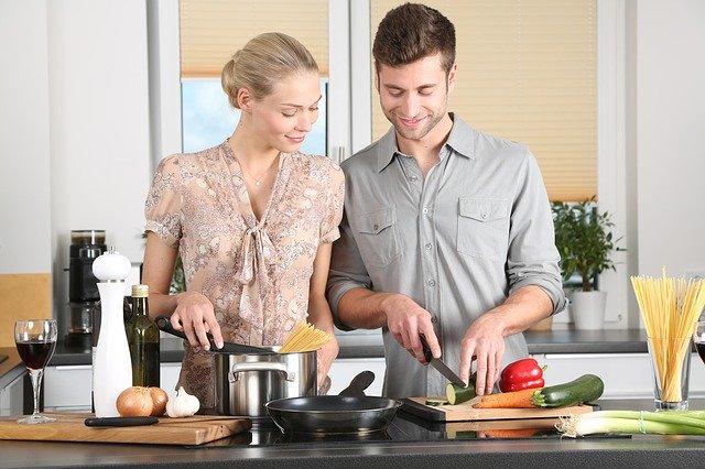कैसे जुड़ी है आपकी किस्मत रसोई से