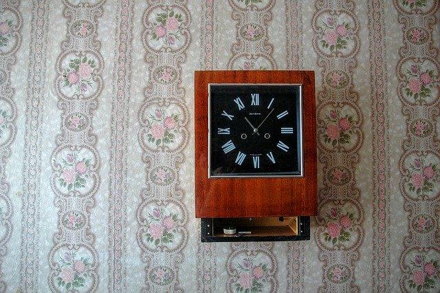 Wall Clock Significance and Vastu Tips