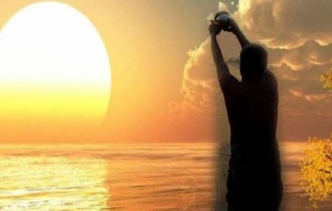 सूर्य को जल (अर्घ्य) दिए जाने का कारण व इसकी विधि
