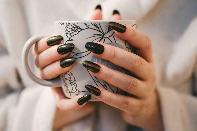 Palmistry- Shape of Fingers and Your Fate Connected