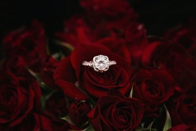 which rashi must wear diamond