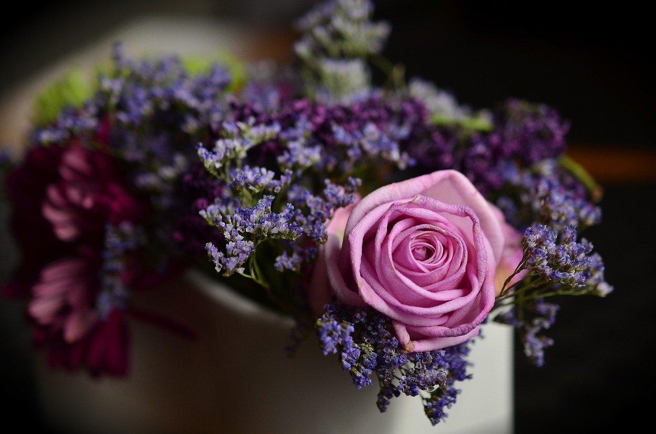 Flowers Vastu Tips
