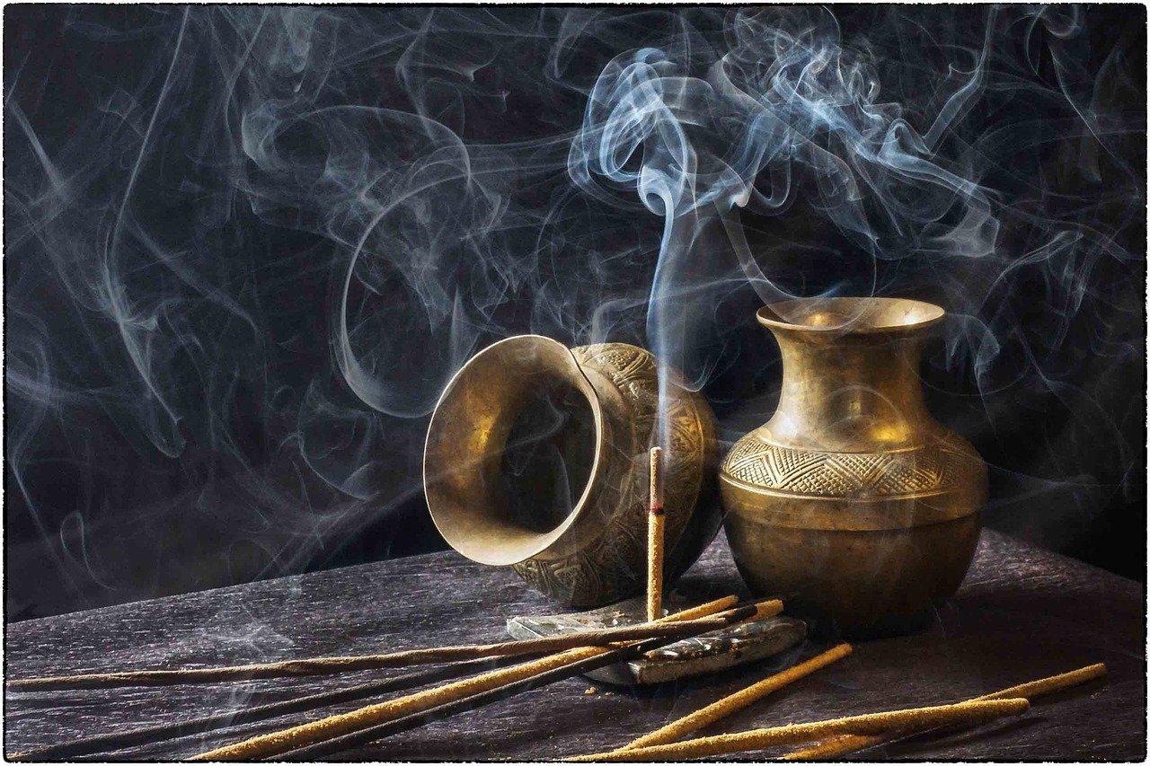 Burn Incense Vastu Tips