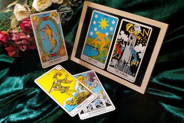 Tarot card zodiac sign